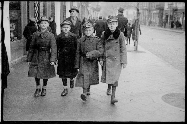 Zdjęcie numer 32 w galerii - Zdarzyło się... 1 listopada 1936 roku. Niepublikowane zdjęcia sprzed 81 lat