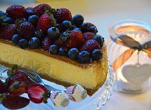Sernik z białą czekoladą i owocami - ugotuj