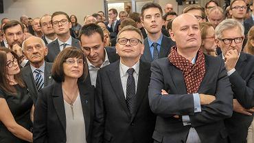 Wybory samorządowe 2018 w Poznaniu. Tadeusz Zysk (w środku) w sztabie PiS