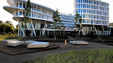 Kompleks biurowo hotelowy Business Garden przy Żwirki i Wigury