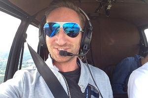 Rozmawia z gwiazdami, lata do pracy helikopterem. Łukasz Jakóbiak o życiu pełnym sukcesów