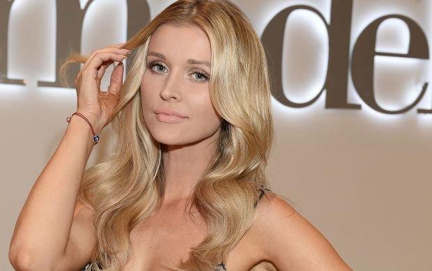 """Joanna Krupa na fotelu ginekologicznym. Tak si� trafia na """"czo�o"""" ameryka�skiego portalu"""