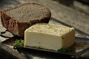 Masło zaczęło tanieć. Ceny w hurcie idą w dół nieprzerwanie już czwarty tydzień z rzędu