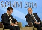 Miedwiediew straszy Zach�d: Sankcje? To wasze samoloty nie przelec� nad Rosj�. Przewo�nicy mog� zbankrutowa�