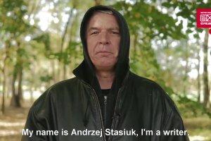 """""""Pisz� prawdopodobnie dla pieni�dzy, ale te� dlatego, �e nie potrafi� nic innego robi�"""". Andrzej Stasiuk w cyklu """"Autor, autor"""""""