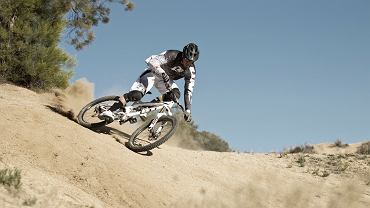 Dan Atherton na rowerze GT