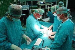Odchudzanie operacj�. Z mniejszym �o��dkiem mniej jesz