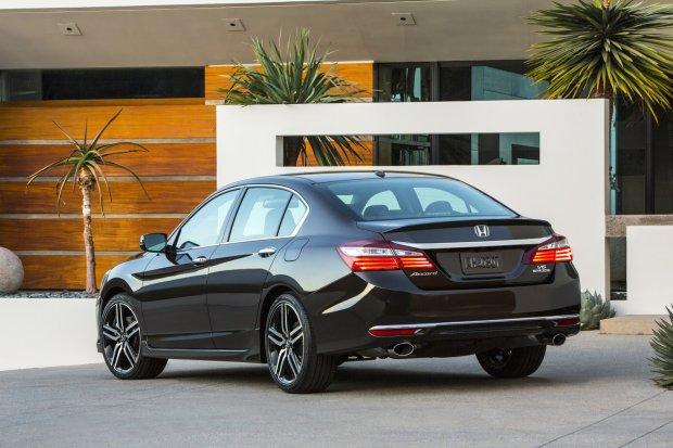 Nowa Honda Accord Sedan