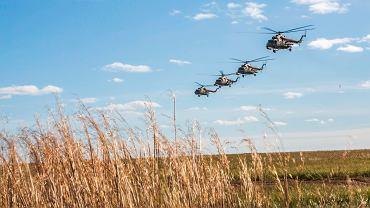 Rosyjskie śmigłowce biorące udział w ćwiczeniach Wostok-18