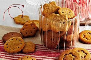 Zaproś dziecko do wspólnego pieczenia! 10 łatwych przepisów na świąteczne ciasta i ciasteczka