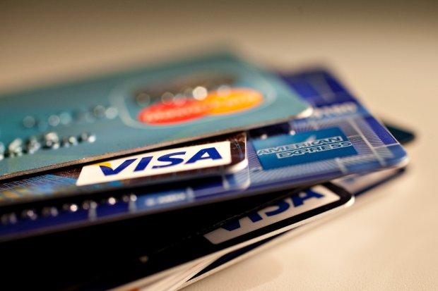 Nie aktywowa� karty kredytowej, trafi� na list� d�u�nik�w