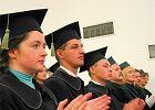 Jak przygotować młodych do rynku pracy? Zmienić system finansowania uczelni