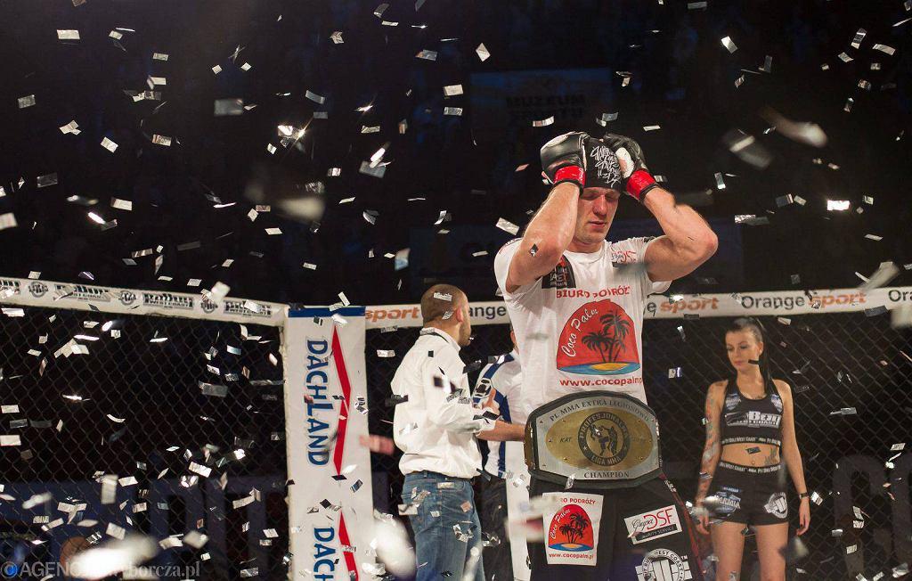 Adrian Zieliński z klubu Arrachion MMA pokonał Fina Niko Puhakkę w walce wieczoru drugiej gali z serii Warmia Heroes, która odbyła się w Olsztynie