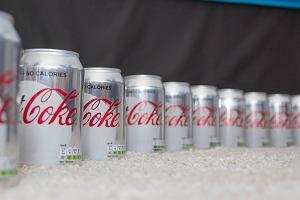 Klienci przestali kupować tę Coca-Colę. Firma wprowadziła więc małą zmianę. Efekt? Zaskakujący