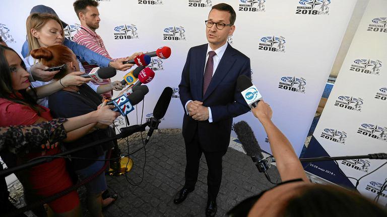 Premier rządu PiS Mateusz Morawiecki udziela wywiadu podczas Zgromadzenia Parlamentarnego NATO. Warszawa, 28 maja 2018