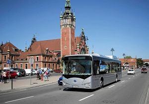 http://bi.gazeta.pl/im/32/76/da/z14317106M,Autobus-BYD-K9-byl-przez-tydzien-testowany--na-uli.jpg