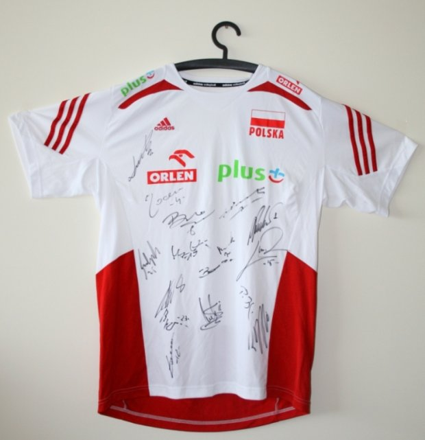 0459c99ffe8d Dwie reprezentacje wspierają Łukasza - wylicytuj koszulkę i przyłącz ...