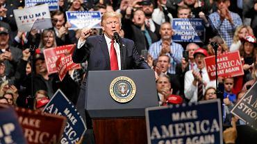 Donald Trump przemawia na wiecu w Nashville 15 marca, tuż po zablokowaniu drugiego dekretu antyimigracyjnego przez sędziego z Hawajów
