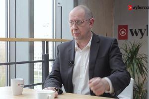 """Pełzający autorytaryzm z władzą na Nowogrodzkiej -  w """"Temacie dnia"""" o rocznicy uchwalenia konstytucji"""