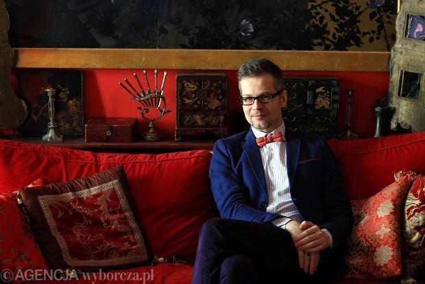 Ksi��ki tygodnia: Dehnel i Tarczy�ski z krymina�em, wojna i przetrwanie wed�ug J�drysik oraz zestaw m�odego plastyka