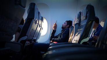 Potężny wzrost spóźnień samolotów. Co się dzieje? Nie, to wcale nie przez strajki