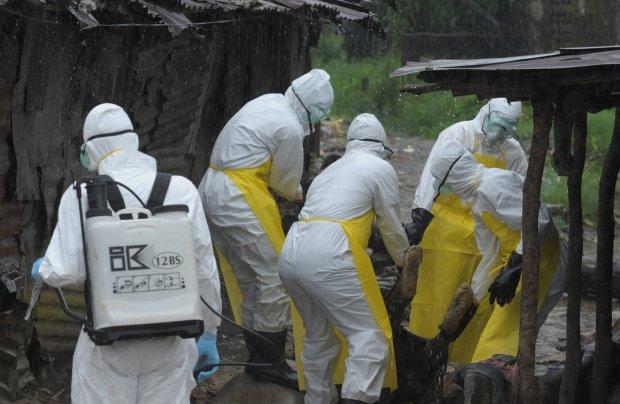 """Ebola """"zagro�eniem dla istnienia Liberii"""". Modele matematyczne przewiduj� gwa�towny wzrost liczby zachorowa�"""