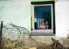 Nie chc� u siebie romskich rodzin. Gro�� blokad� dr�g podczas �DM
