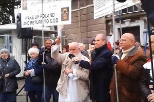 Protest i modlitwy przed koncertem grupy Behemoth w Poznaniu
