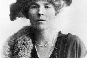 Wyjęta spod prawa: Gertrude Bell, podróżniczka, szpieg i doradczyni Churchilla