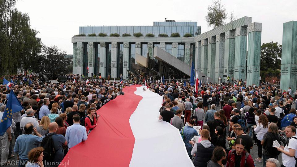 21.07.2017 Warszawa . Manifestacja przed Sądem Najwyższym