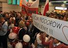 Kilkaset os�b powita�o paraolimpijczyk�w na lotnisku