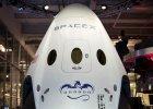 Miliarder Elon Musk pokaza� za�ogow� wersj� statku kosmicznego Dragon [ZOBACZ]