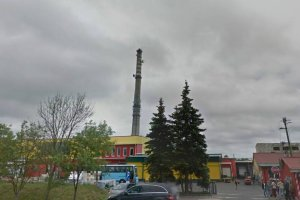 Makabryczne odkrycie pod Koszalinem. Zwłoki mężczyzny wisiały na kominie fabrycznym