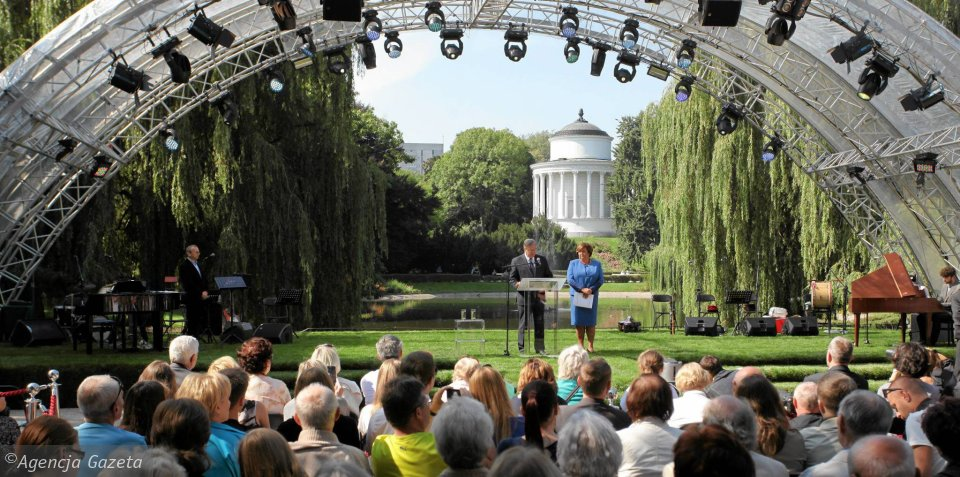 Para prezydencka w Ogrodzie Saskim zainaugurowała akcję Narodowego Czytania
