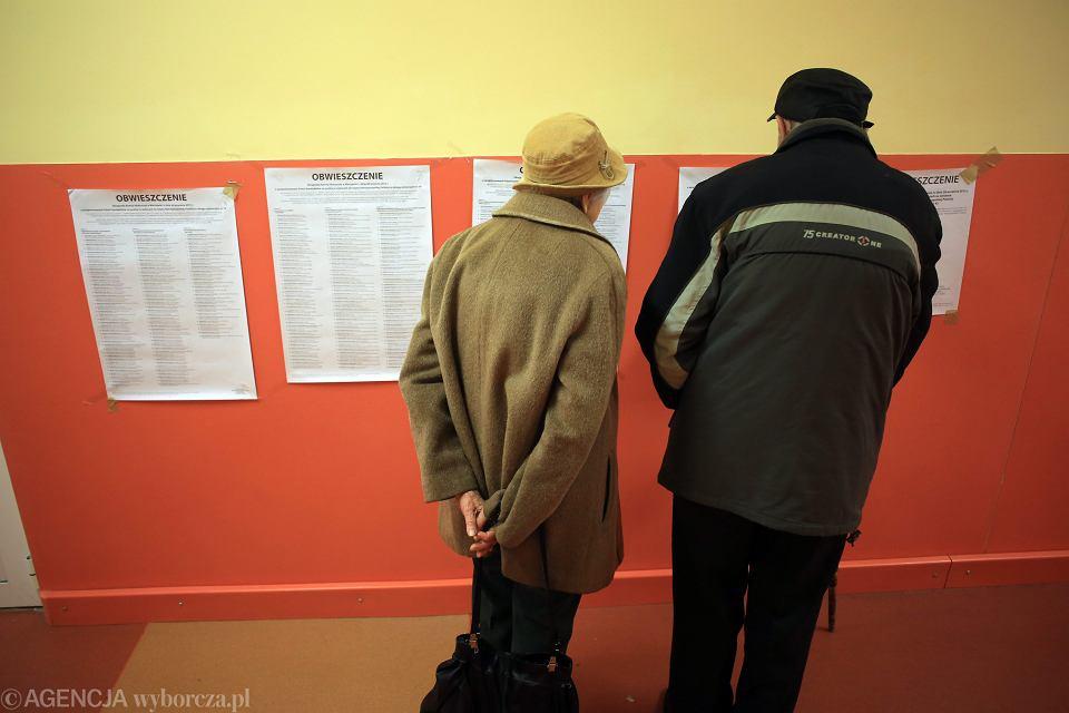25.10.2015 , Warszawa . Wybory parlamentarne , Okręgowa Komisja Wyborcza przy ul. Zwycięzców 44