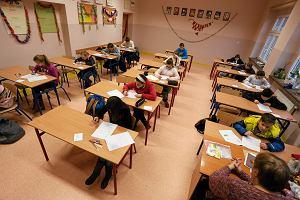 """Sz�stoklasi�ci s� niemal gotowi na test, a ich rodzice? Pisz�, �e zada� """"za du�o i za trudne"""""""