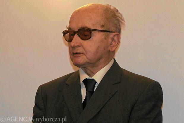 Urodziny Jaruzelskiego w hotelu, zorganizuje je fundacja Kwa�niewskiego. SLD si� wycofuje