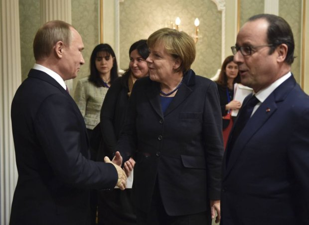 Niemiecka prasa o decyzji Merkel ws. obchod�w w Moskwie: Kanclerz sk�ada ho�d nie armii, lecz zabitym