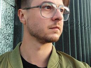 Tw�rca ''Magazynu Pora�ka'': Polacy s� biedni i wkurzeni. Nie taki �wiat nam obiecano