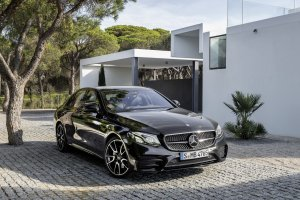 Salon Nowy Jork 2016 | Mercedes-AMG E43 | Dyskretny wygl�d i 400 KM