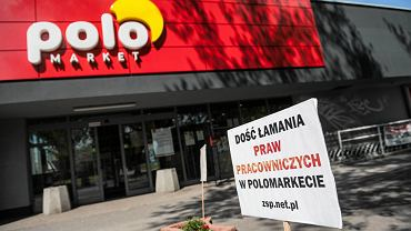 Protest przeciwko łamaniu praw pracowniczych w sklepie Polo Market