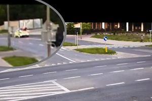 6-latek z Olsztyna wychodzi wieczorem z domu i bierze rowerek. Nieświadomy wjeżdża na ulicę