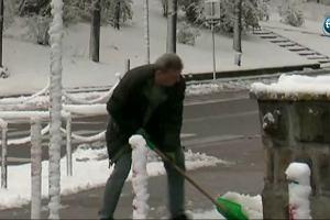 Atak zimy na Podlasiu. W okolicach Białegostoku przerwy w dostawie prądu