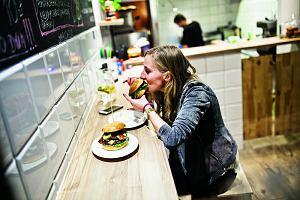 Najlepsze burgerownie w Polsce. 9 miejsc, w których zjesz coś specjalnego