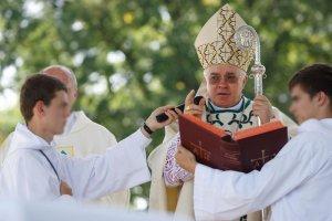 """Arcybiskup Weso�owski odwo�a� si� od wyroku. Papie� Franciszek apeluje o """"konieczn� surowo��"""""""