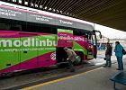 Autobusy na warszawskie lotniska ju� kursuj� z Torunia [ZDJ�CIA]