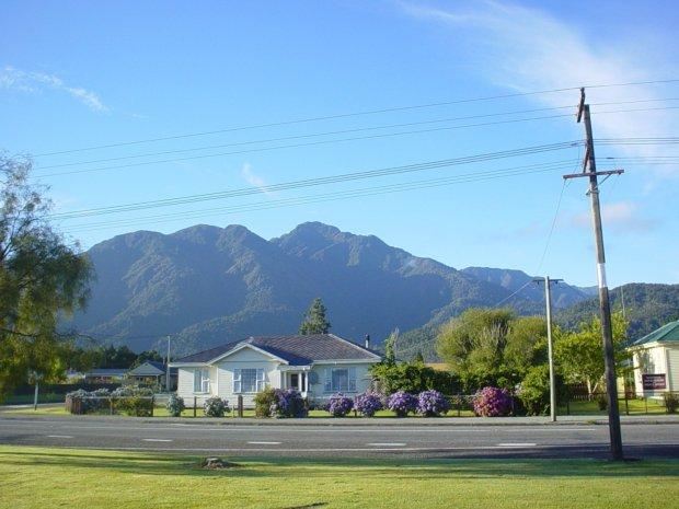 Typowe miasteczko u podnóża Alp Południowych - Wyspa Południowa (zdjęcie prywatne).