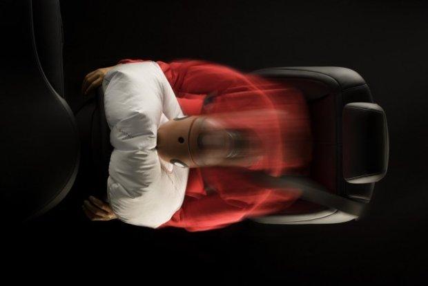Problemy z poduszkami Takata | Miliony aut do serwis�w