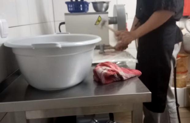 Granie na kotletach