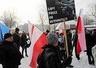 Manifestacja KOD i kontrmanifestacja w Brzeszczach [ZDJ�CIA]